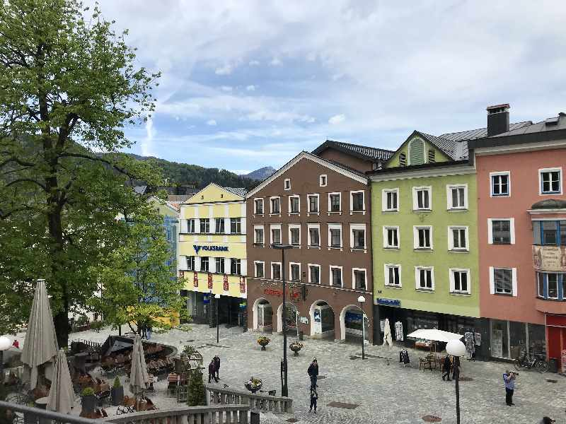 Kufstein Altstadt mit der Fußgängerzone vom Oberen zum Unteren Stadplatz