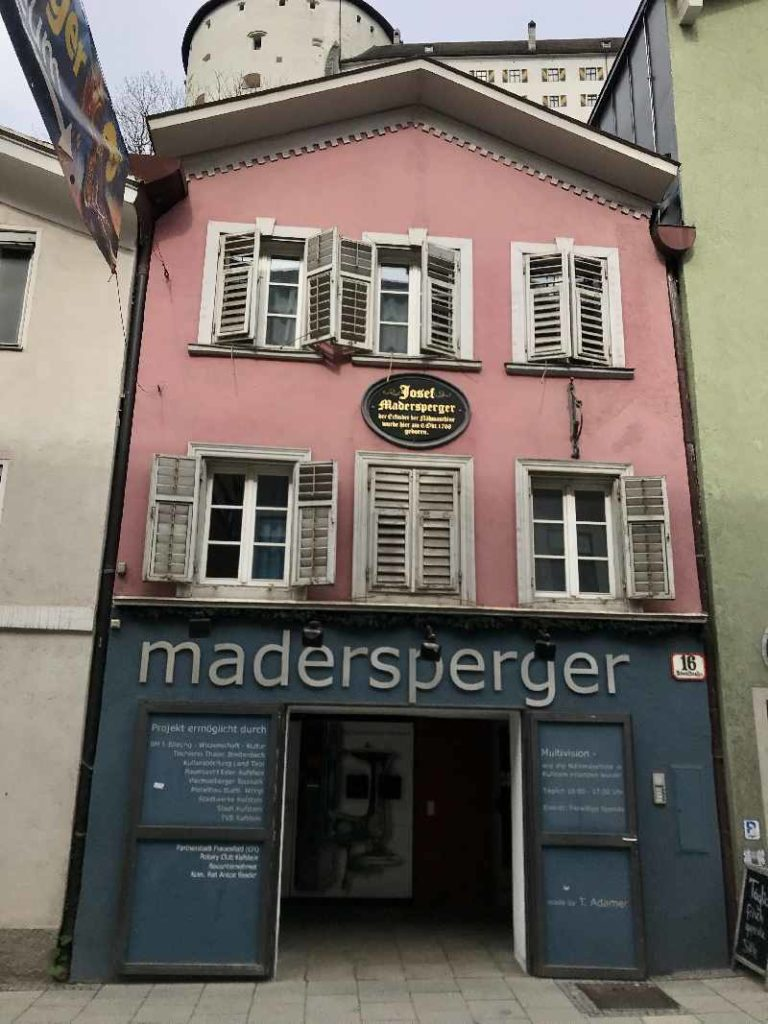 Nähmaschinenmuseum Kufstein - das Geburtshaus Josef Madersperger ist heute ein Museum