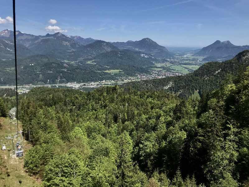 Der Blick aus dem Kaiserlift kurz unterhalb der Bergstation