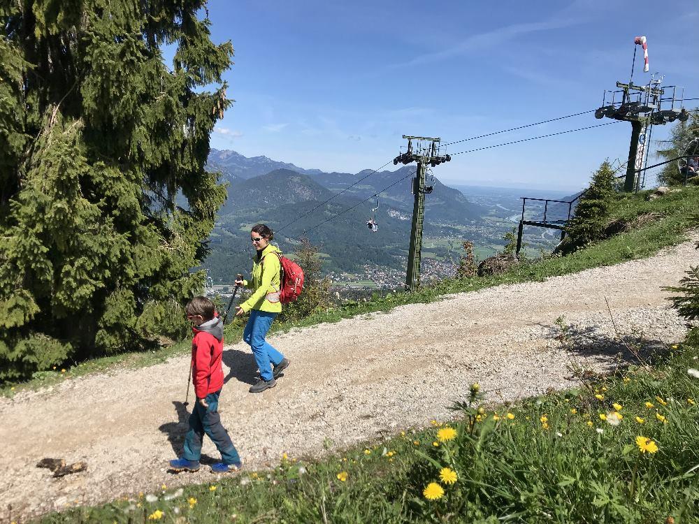 Kaiserlift Kufstein Wanderungen - hier am Brentenjoch geht es weg vom Lift, hinein in die Natur