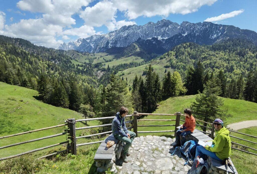 Besonderer Aussichtspunkt Kufstein mit Blick zum Kaisergebirge: Freiraum-Raum-Zeit Bewusstseinsplatz