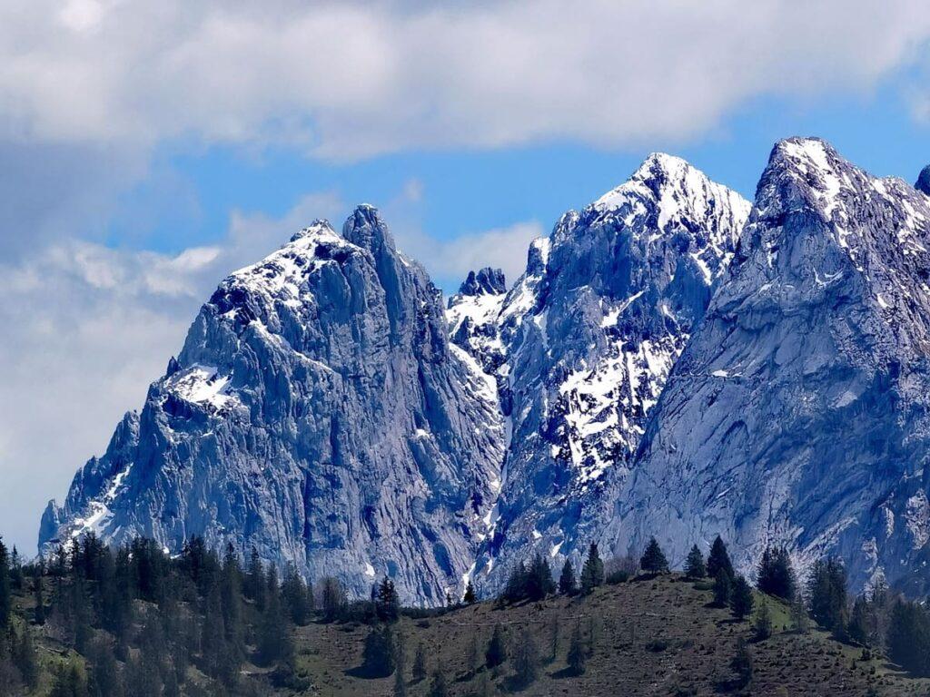 Ausblick vom Brentenjoch bei der Kaiserlift Bergstation zum Kaisergebirge