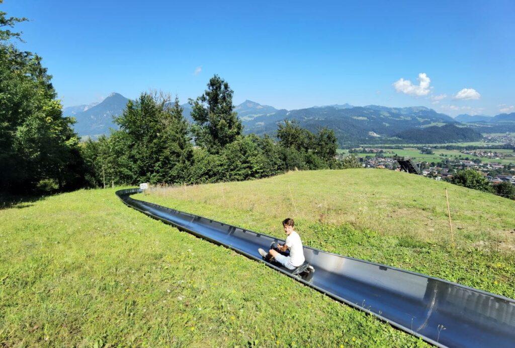Hocheck Sommerrodelbahn - Start ist bei der Mittelstation mit diesem Ausblick auf die Berge